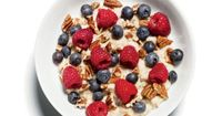 Flat-Belly Breakfast Oatmeal with Pecans and Berries 1 packet Original Quaker Instant Oatmeal made with 1 cup skim milk and mixed with: 2 Tbsp chopped pecans 1/2 cup raspberries 1/2 cup blueberries The soluble fiber in oatmeal will keep you full well past...
