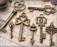 If I can ever find some keys like this I would love to make necklaces out of them.