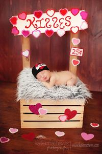 I heart mom - tattoo - Newborn- Photography Prop - valentine - crochet. $22,00, via Etsy.