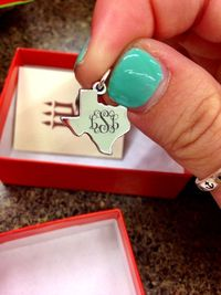 If I ever moved, I'd wear this all the time to remind me I'm a Texas girl :-) and not forget what that means.......... I just LOVE IT!!