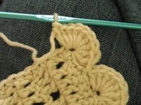 How to crochet an scalloped border inculding how to do corners - Crochet shell border