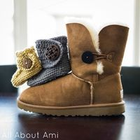Crochet Baby Button Boots (free pattern)