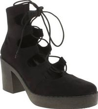 Schuh Black Sista Womens Boots Ladies, meet Sista, the super cute boot from schuh. Arriving on the scene in a black man-made upper, this smart/casual boot is perfect for dressing up any occasion. Ghillie lacing adds a girly touch, http://www.comparestorep...