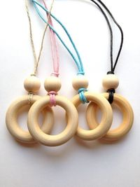 Simple Natural Wood Teething Necklace / Nursing by H3idihoDesigns