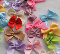 Pack of 50 Mini Ribbon Bow Appliques. Different Colours Available. Clothing and Xmas Crafts £2.69