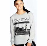boohoo Holly New York Oversize Sweat - grey marl azz20818 This oversized slogan sweat will never look out of place in your wardrobe with its timeless grey marl palette and cityscape print. Look to it on lazy days and layer over a basic tee , with ripped b...