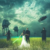 Star Wars themed Wedding Photo Shows Newlyweds Battling the Empire ||
