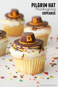 Pilgrim Hat Thanksgiving Cupcakes - white cupcakes with a classic buttercream are topped with an edible pilgrim hat - the perfect Thanksgiving cupcakes!