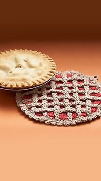 Cherry Pie Hot Pad pattern by Lily / Sugar'n Cream. Free crochet pattern. So cute!