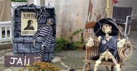 Halloween Decorating Ideas: Porches and Entryways | Hauntingly Beautiful Halloween Decorating Ideas | Decorate for Halloween