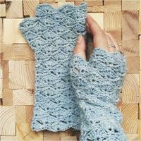 With this free Crocheting design, work up your new most loved fingerless gloves. The are exceptionally fragile and magnificent fitting. The gloves are worked in