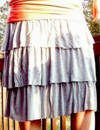 Tutorial: Stretch knit skirt with rows of ruffles · Sewing | CraftGossip.com