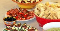 Planning a graduation party? Do better than cake and punch with this simple, fun graduation menu.