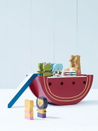 magnetic noah's ark - adorable! #kids #toys #playroom