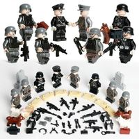 German Soldiers WW2 SS Das Reich 8-Pack with Weapons, Dogs & Barricades $22.90