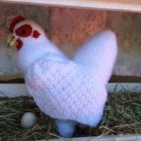 Hildegard, The Life-Sized Crochet Chicken ~ Free Pattern!