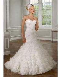 My Ultimatr dream weddin dress! mix between traditional and mermaid style!