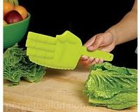 hahahaha this is great. it would make chopping veggies that much more enjoyable.