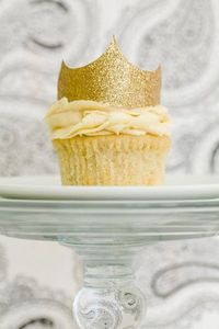 This is the next cupcake I plan on making. Stef from Cupcake Project has been hard at work trying to discover the Best Vanilla Cupcake recipe. I have been caref
