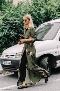 Now, I know a lot of women are a little overwhelmed by army green since it tends to look like moss, but trust me: there are ways to make this color look super c