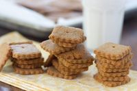 Homemade Graham Crackers | This graham cracker recipe is modified from Alton Brown's graham cracker recipe. This dough is made using a food processor.