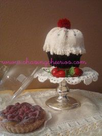 LOVE the cupcake hat! Have to figure out how to increase pattern for 10 year old head!