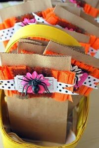 Cute for treats and can adapt this idea for many holidays, gift bags, etc