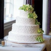 cake, but with purple flowers