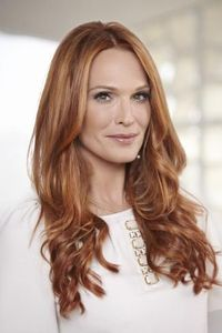 Molly Sims dishes on turning 40 and transforming her hair color