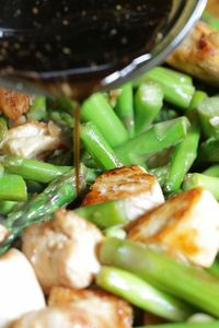 Chicken and Asparagus Teriyaki Stir-Fry | Skinnytaste. Servings: 4 �€� Size: 1 1/2 cups �€� Points +: 7 �€� Smart Points: 5 Calories: 302 �€� Fat: 8 g �€� Carb: 15 g �€� Fiber: 2 g �€� Protein: 42 g Sugar: 5 g �&#...