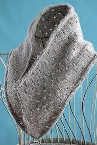 Simple eyelet cowl, free on Ravelry