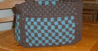 "Everyday Tote, free pattern from Red Heart. Measures 10"" x 12"", has two outside pockets. Could add an inside pocket too (bottom pic). Takes 4 skeins RHSS, hook size 'G'. Pics from Ravelry Project Gallery. . . . . �ƒ�Trish W ~ ..."