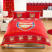 Arsenal Bedding - Border Crest Double Duvet Set 100% official merchandise this Arsenal double bedding features the Gunners crest on the duvet and pillowcases. Curtains to match also available - pencil pleat style for use with curtain hooks. Materia ht...