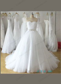 Plus size sweetheart neck White tulle princess wedding gowns