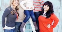 Family Pictures with a Ladder at Capturing-Joy.com
