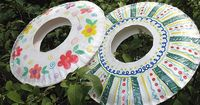 Summer means spending time outside enjoying the nice weather and hanging out with friends. Sit down and make these fun frisbees from paper plates, and even on d