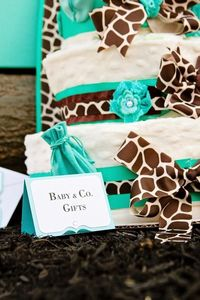 This adorable BABY & CO. TIFFANY INSPIRED BABY SHOWER was submitted by Christina Christian of Something Chic Party & Event Design. I love how the giraffe print