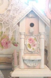 Another sweet #shabby #pink birdhouse